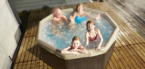 Caledonian-hot-tub-for-hire